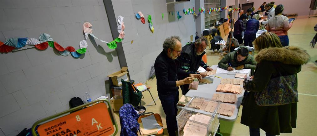 Εκλογές στην Ισπανία: Νίκη των Σοσιαλιστών και άνοδος της ακροδεξιάς