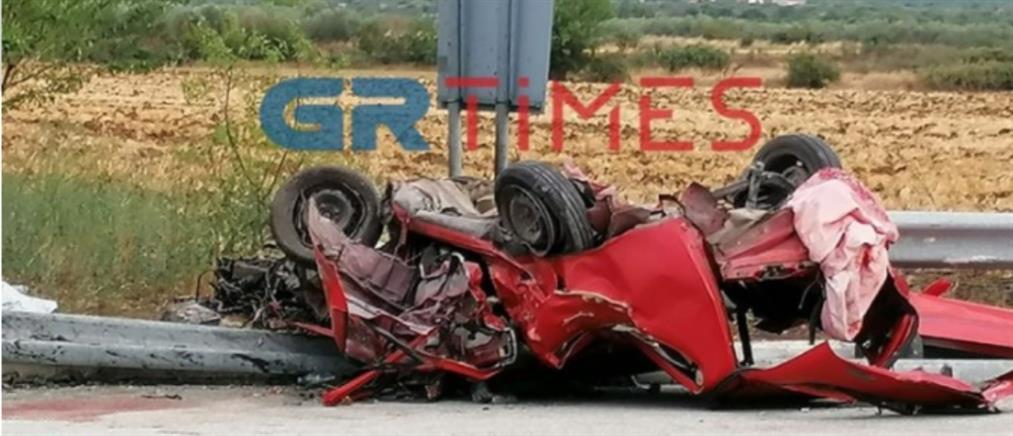 Σέρρες: Πολύνεκρο τροχαίο - Διαλύθηκαν τα αυτοκίνητα (βίντεο)