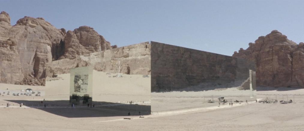 """""""Maraya Concert Hall"""": το μεγαλύτερο κτήριο με καθρέφτες στον κόσμο (βίντεο)"""