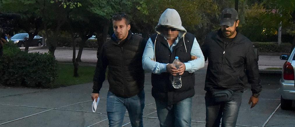 Έγκλημα στα Μέγαρα: στον ανακριτή ο δράστης