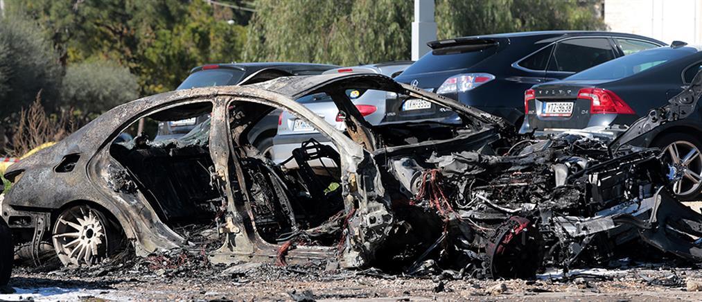 Συναγερμός από φωτιά σε αυτοκίνητα στη λεωφόρο Βουλιαγμένης