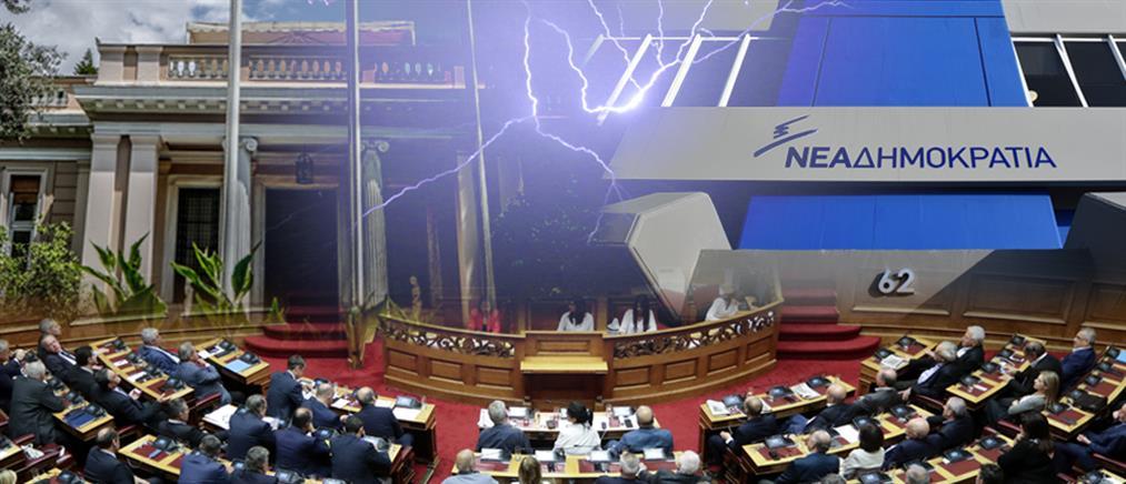 """Μαίνεται η πολιτική """"θύελλα"""" για τον ΠτΔ"""