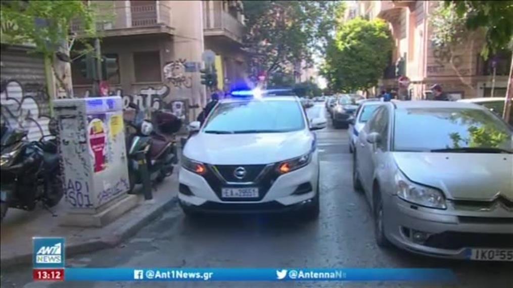 Η Αστυνομία «χάλασε» τα πάρτι στις πλατείες