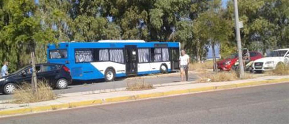 Απίστευτο τροχαίο: Αστικό λεωφορείο πέρασε στο αντίθετο ρεύμα