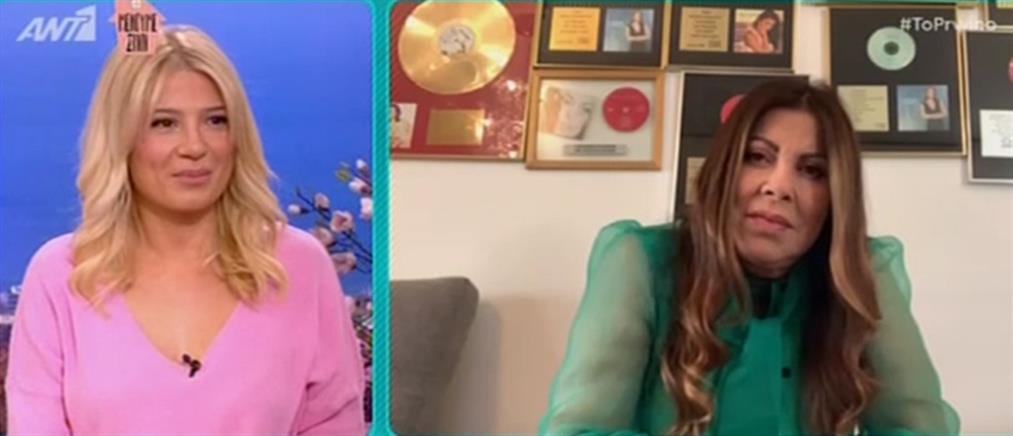 Η Άντζελα Δημητρίου…. μένει σπίτι και μας τραγουδάει α καπέλα (βίντεο)