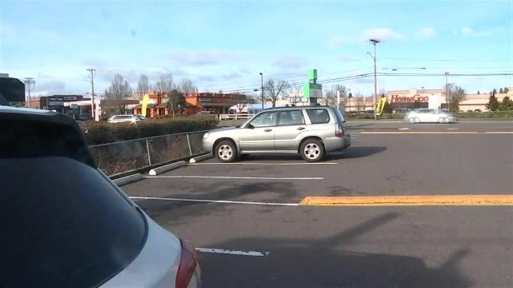 Κλέφτης αμαξιού γύρισε πίσω για να επιστρέψει τον ανήλικο που ήταν μέσα