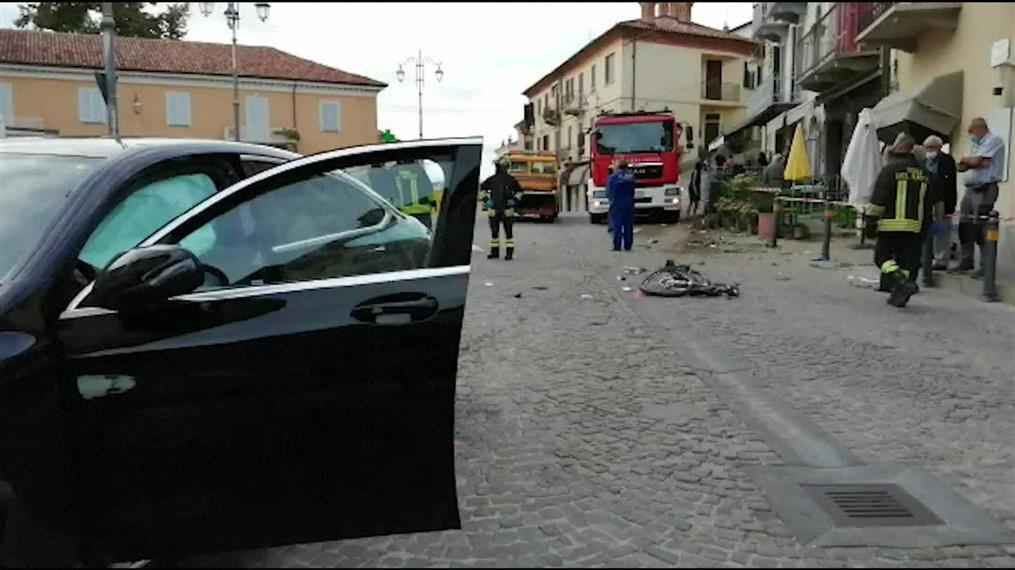 Aυτοκίνητο παρέσυρε τουρίστες στην Ιταλία