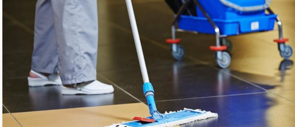 Αναστολή της προφυλάκισης της καθαρίστριας για το πλαστό απολυτήριο Δημοτικού
