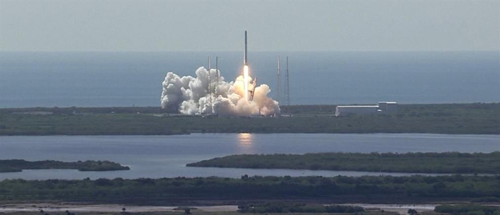 Εξερράγη διαστημικός πύραυλος σε ζωντανή τηλεοπτική σύνδεση
