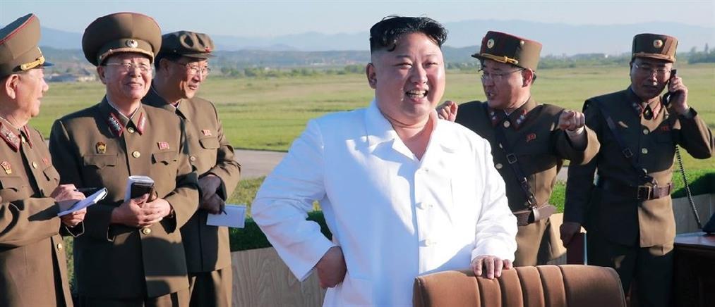 Δοκιμή αντιαεροπορικού οπλικού συστήματος παρακολούθησε ο Κιμ Γιονγκ Ουν