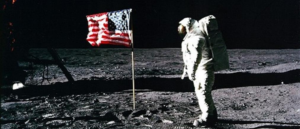 """Στο """"σφυρί"""" τσάντα που μετέφερε τα πρώτα δείγματα από την Σελήνη (φωτο)"""