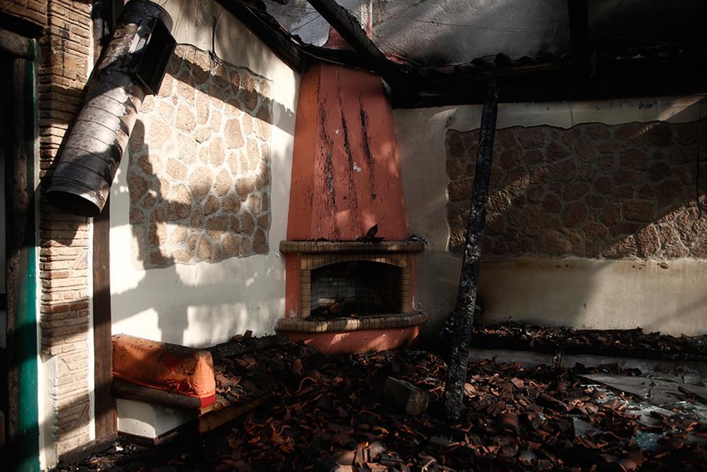 φωτιά - Βαρυμπόμπη - επόμενη μέρα