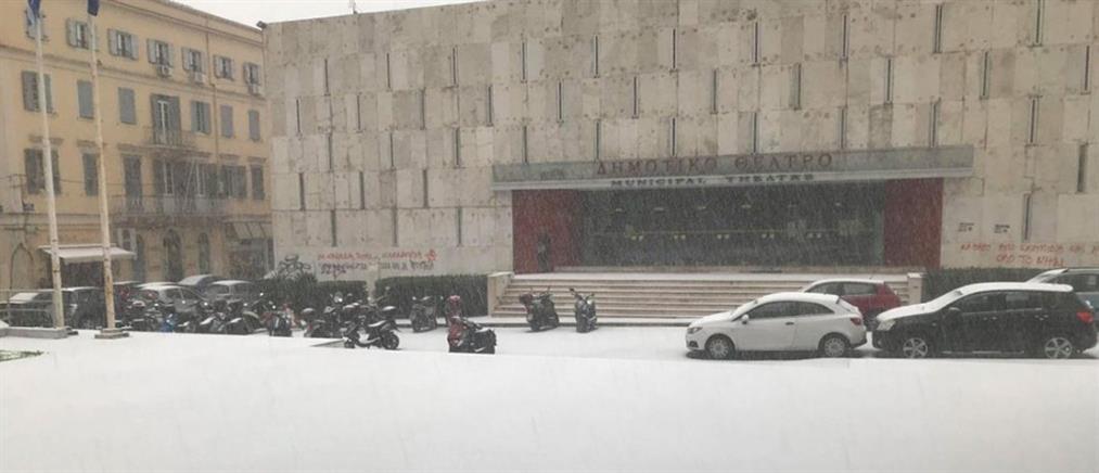 Σφοδρή χαλαζόπτωση και χιόνια στην Κέρκυρα (εικόνες)