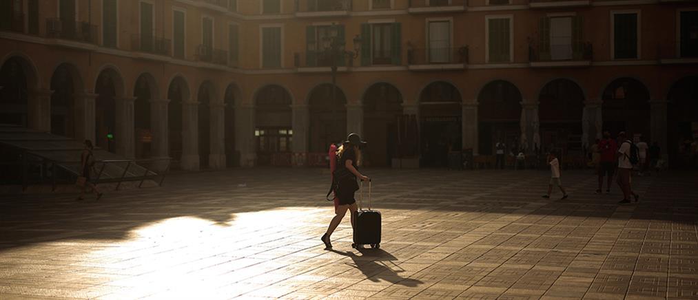 """Ισπανία: ο κορονοϊός """"βούλιαξε"""" τον τουρισμό"""