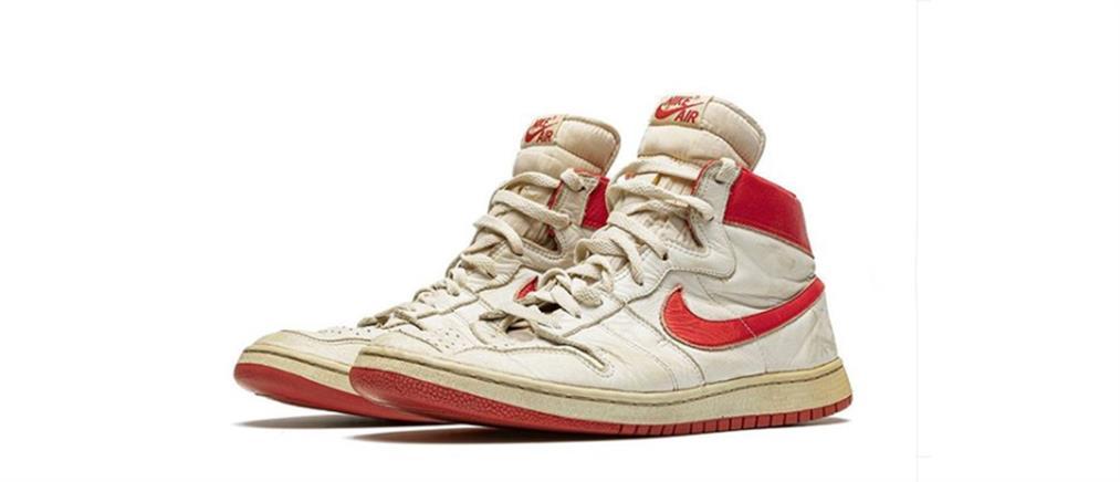 Ένα ζευγάρι παπούτσια Air Jordan 1, πουλήθηκε έναντι αμύθητου ποσού!