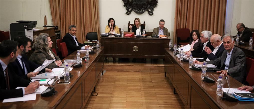 Ένταση για την υπόθεση Πετσίτη στην Επιτροπή της Βουλής