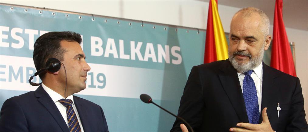 Βόρεια Μακεδονία-Αλβανία: Αισιοδοξία του Επιτρόπου της ΕΕ για την ενταξιακή τους πορεία