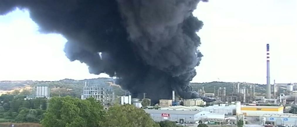 Έκρηξη σε διυλιστήριο στην Ισπανία (βίντεο)