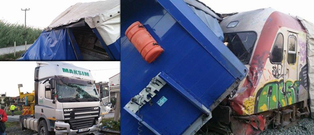Σύγκρουση φορτηγού με αμαξοστοιχία – Από θαύμα δεν υπήρξαν θύματα