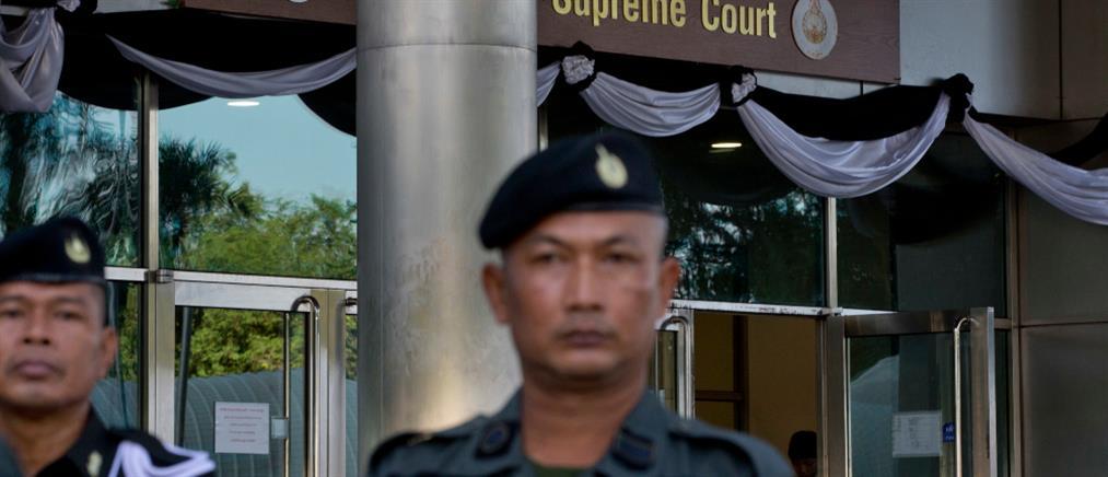 Νεκροί από πυρά πρώην αστυνομικού μέσα σε δικαστήριο