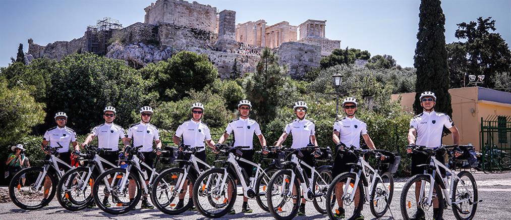 Αστυνομικοί με ποδήλατα στην Αθήνα (φωτό)