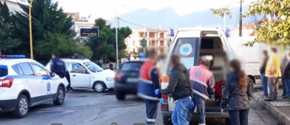 Οδηγός παραβίασε STOP – Δύο τραυματίες (εικόνες)