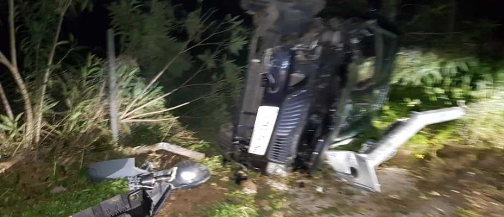 """Από θαύμα σώθηκε οδηγός IX που """"έφυγε"""" από τον δρόμο (εικόνες)"""