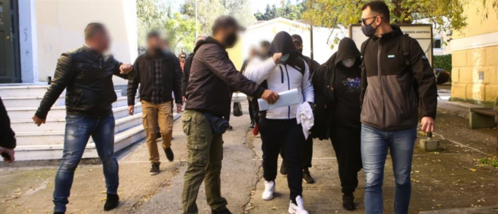 Περιστέρι: Ελεύθερος ο γιος του εφοπλιστή και ο συγκατηγορούμενός του για την αιματηρή επίθεση