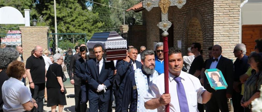 Θλίψη στην κηδεία του Μιχάλη Δεσύλλα (φωτό)