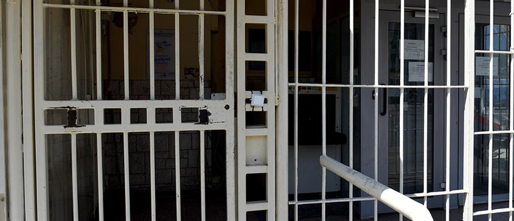 """Προφυλακιστέος και ο δεύτερος δικηγόρος της """"μαφίας των φυλακών"""""""