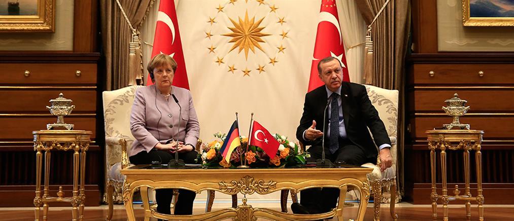 Στην Τουρκία η Μέρκελ
