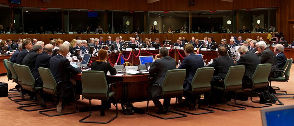 Στις Βρυξέλλες ο Κοτζιάς για το Συμβούλιο των ΥΠΕΞ της ΕΕ