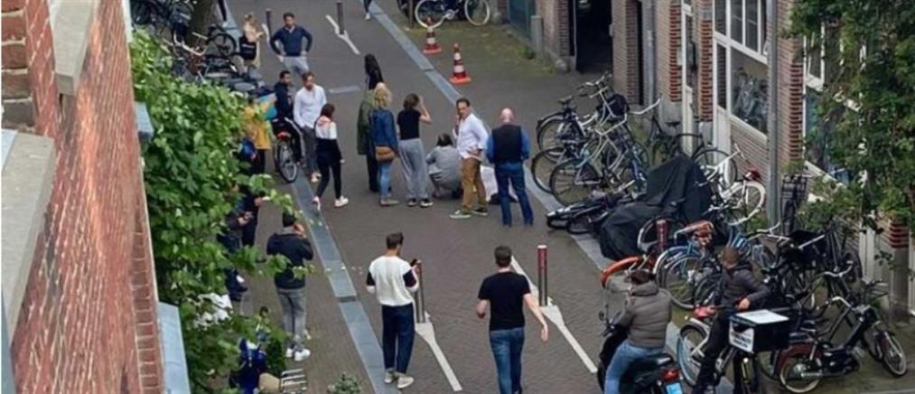 Ολλανδία: Πέθανε ο δημοσιογράφος που δέχθηκε πυροβολισμούς