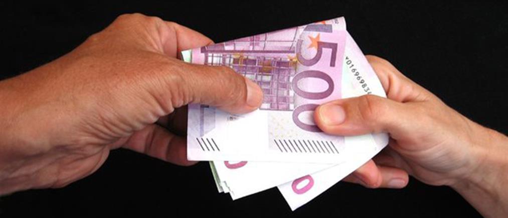 Κατατέθηκαν οι τροπολογίες για ΦΠΑ και εισοδήματα έως 5.000 ευρώ