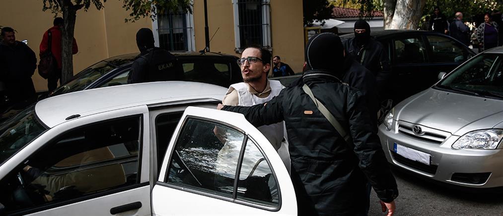 """Μπαράζ επιθέσεων …αλληλεγγύης και """"καμπανάκι"""" για τον Γιαγτζόγλου"""