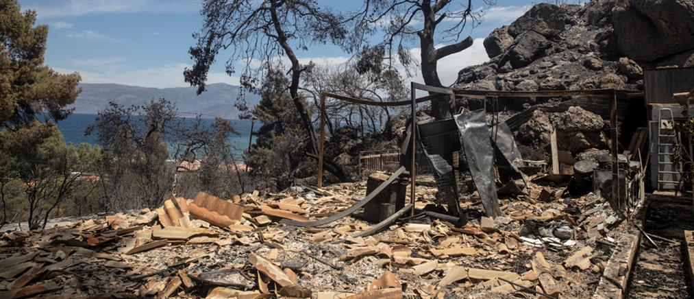 Φωτιά στα Γεράνεια Όρη: μάχη σε διάσπαρτα μέτωπα (εικόνες)