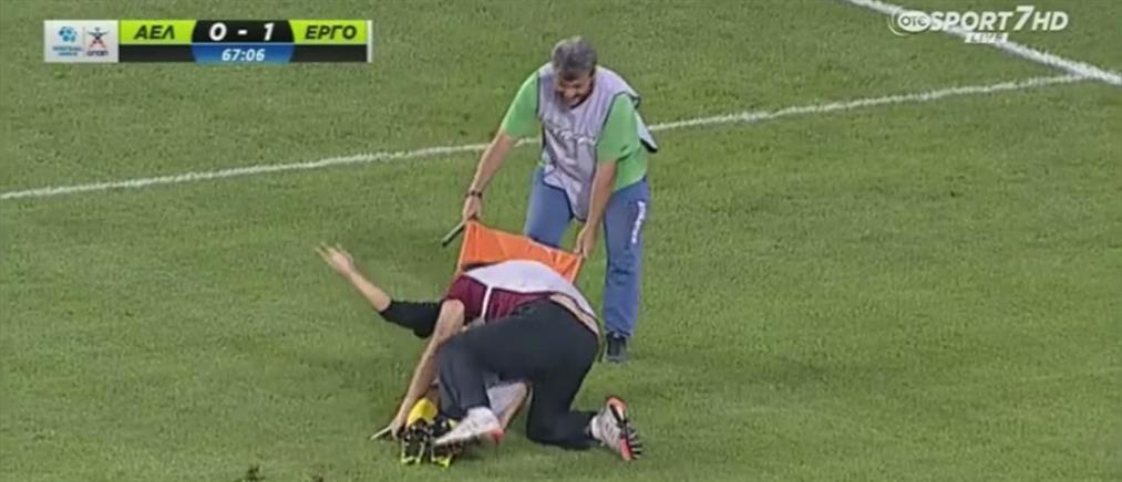 Βίντεο: Ο τραυματιοφορέας που έσπασε τα ρεκόρ γέλιου στα ελληνικά γήπεδα