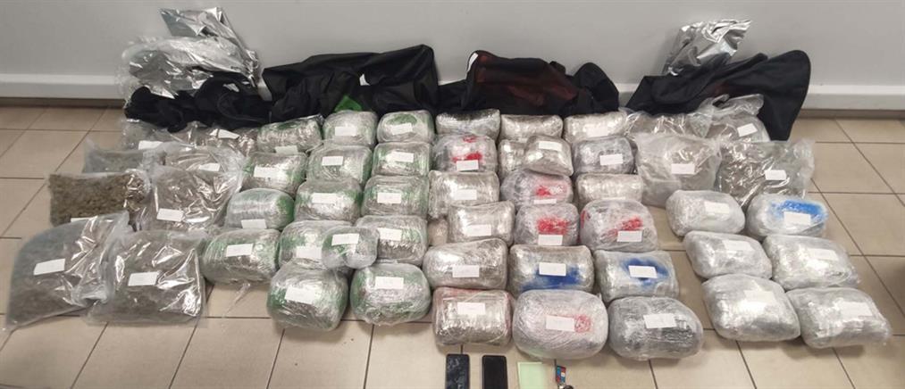 Μετέφεραν με ΙΧ πάνω από 50 κιλά ναρκωτικά (εικόνες)