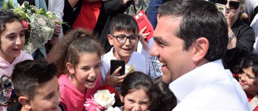 Επίσκεψη Τσίπρα σε οικισμό Ρομά (εικόνες)