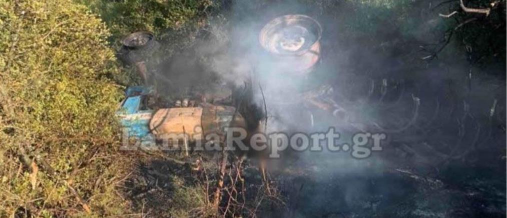 Εγκλωβίστηκε στο τρακτέρ που ανατράπηκε και πήρε φωτιά (εικόνες)
