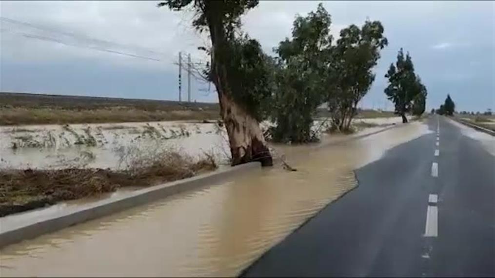 Κακοκαιρία στην Σικελία: Αγνοείται ζευγάρι μετά τις πλημμύρες