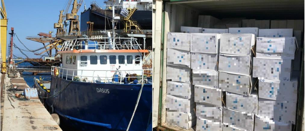 Πλοίο φορτωμένο με πάνω από... 24 εκατομμύρια λαθραία τσιγάρα (φωτο)