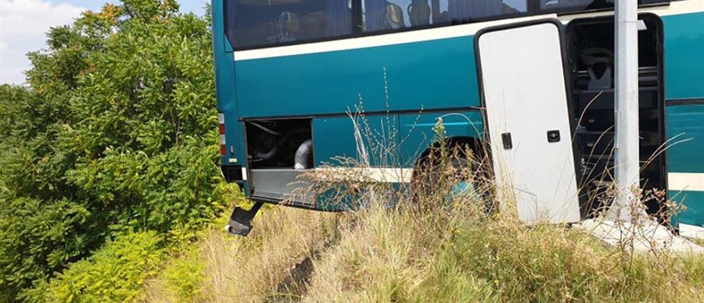 Γρεβενά: Λεωφορείο του ΚΤΕΛ στο χείλος του γκρεμού (βίντεο)