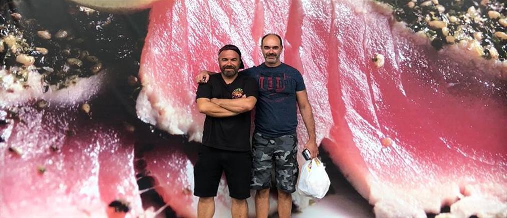 """StrEAT Food"": ο Βασίλης Καλλίδης στη Χονολουλού (εικόνες)"