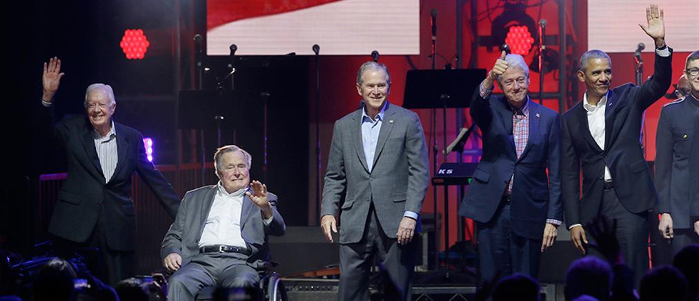 Ομπάμα, Μπους, Κλίντον, Κάρτερ και… Gaga στη σκηνή (φωτό & βίντεο)