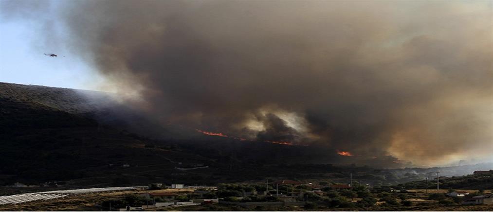 Συναγερμός για φωτιές σε Καλύβια και Λαύριο