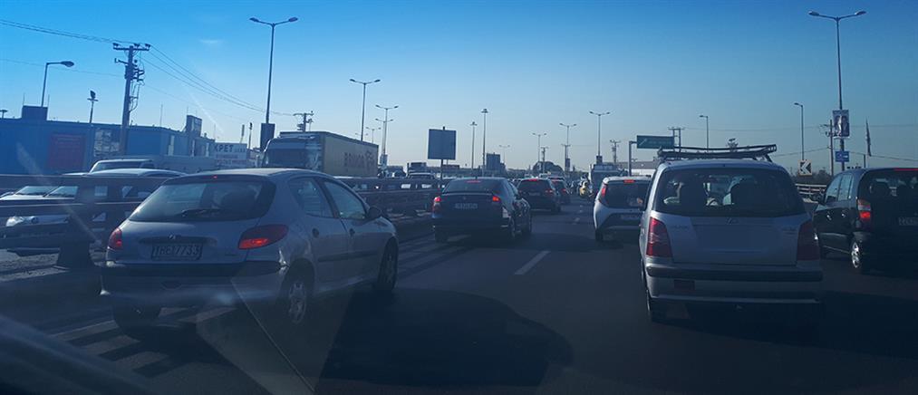 Κακοκαιρία: Κυκλοφοριακό χάος στους δρόμους της Αθήνας