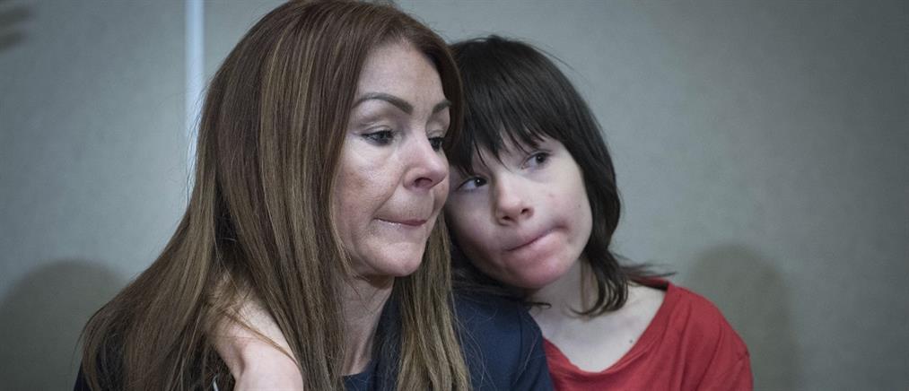 Στο νοσοκομείο 12χρονος επιληπτικός μετά την κατάσχεση του θεραπευτικού ελαίου κάνναβης