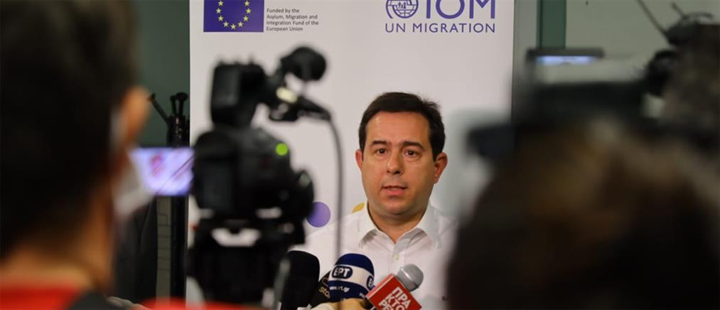 Μηταράκης: Δεχόμαστε τους πρόσφυγες που πραγματικά έχουν ανάγκη