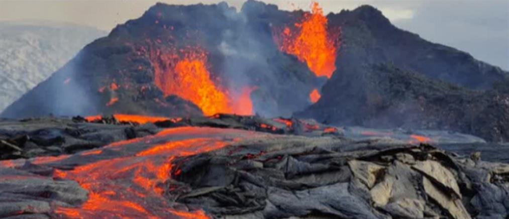 Ισλανδία: Το ηφαίστειο έγινε ατραξιόν (βίντεο)